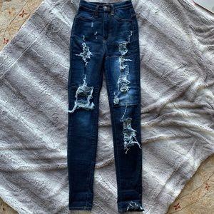 NWOT Fashion Nova high-waisted jeans